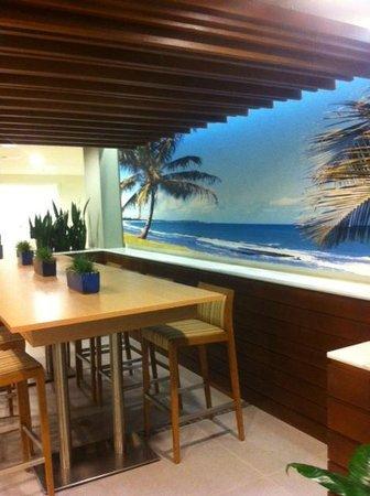 Lobby Sitting area - Nice!