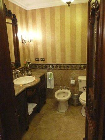 Hotel Plaza Grande: Bathroom