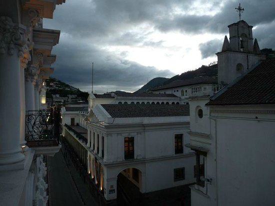 Hotel Plaza Grande: View from room balcony towards the Presidential Palace