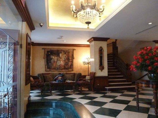 Hotel Plaza Grande: Reception area