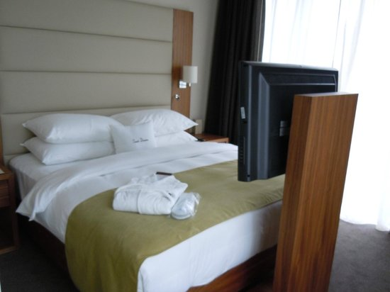 DoubleTree by Hilton Hotel Zagreb: Bed