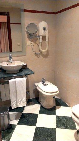 Hotel Las Almenas: bathroom, las almenas