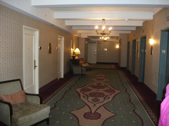 The Roosevelt Hotel: landing