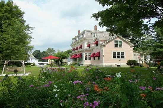 Rosebelle's Victorian Inn: Beautiful Sunny Day