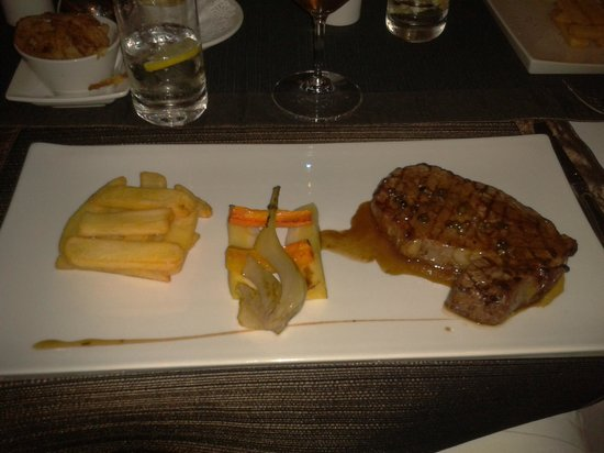 The Arches : Grilled Beef Rib-Eye with pepper sauce