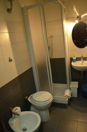 Cialdini Inn Bed & Breakfast: BATHROOM