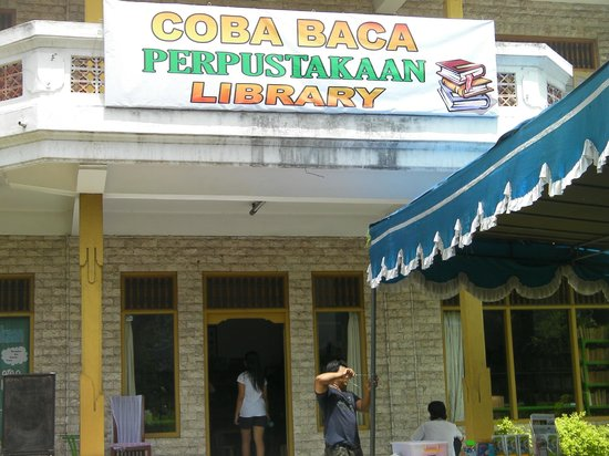 Coba Baca Public Library