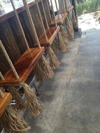 Tacobar Santa Ana: swing and eat
