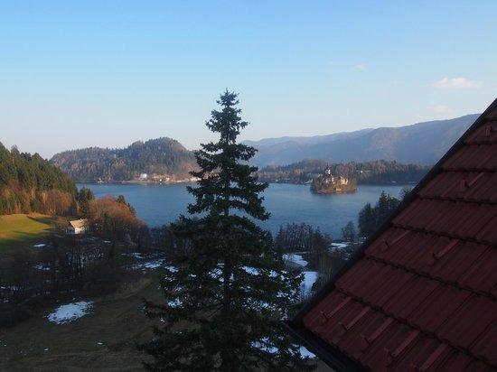Hotel Triglav Bled: Vista desde habitación ático