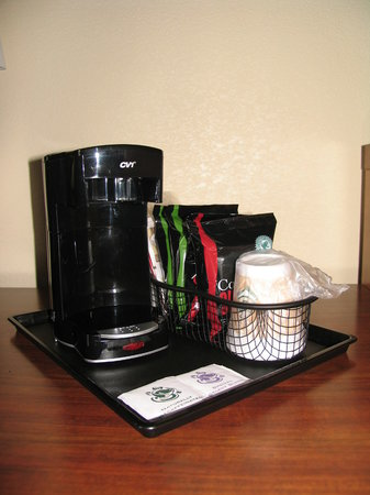 Quality Inn: CV1 One Cup Coffee Maker with Supplies