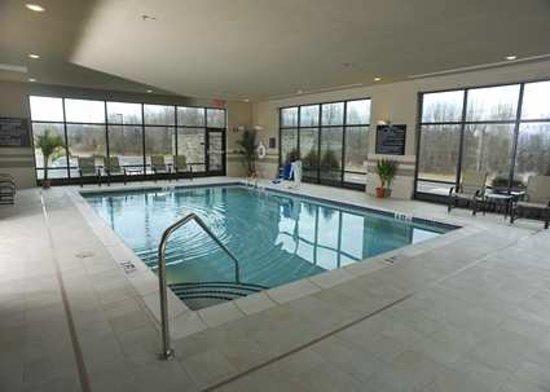 Hampton Inn Neptune/Wall: Pool - Daytime