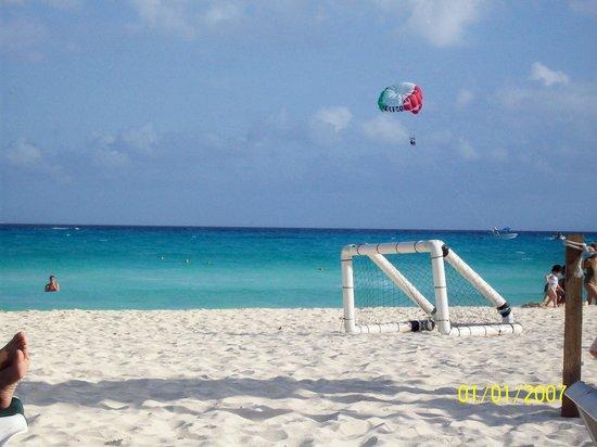 Hotel Riu Playacar: playa