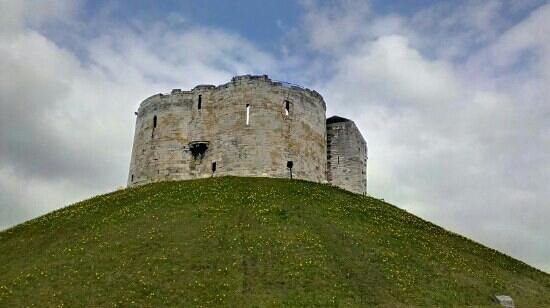 Warrens: cliffords tower