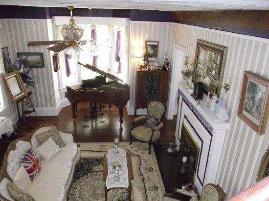 """Penny Farthing Inn: View of the """"family room"""" coming down the staris."""