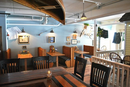 Blue Moon Cafe: Pub