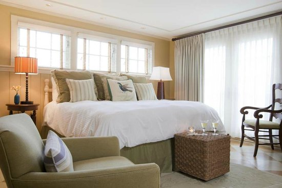 Vineyard Square Hotel & Suites: Two bedroom luxury suite