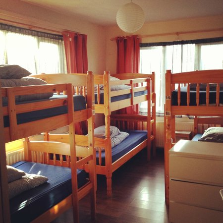 Midtown Hostel : 6 Bed Dorm