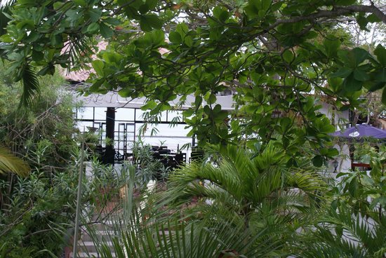 Bay View Hotel: Hotel Grounds