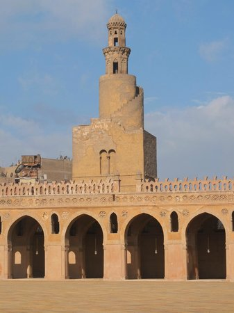 Private Tours Egypt & Excursions - Day Tours: the minaret of Ibn tulun mosque
