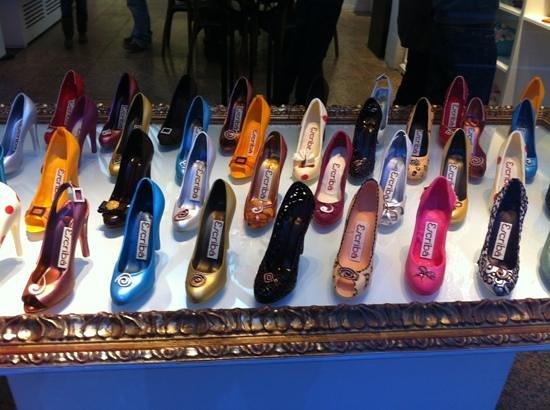 brand new cbe3a 4003a Vetrina di scarpe di cioccolato ! - Foto di Escriba Gran Via ...
