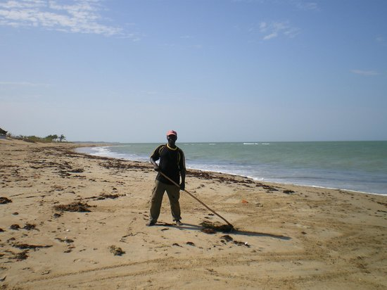 Le Warang Hotel : strand opkuisen elke dag