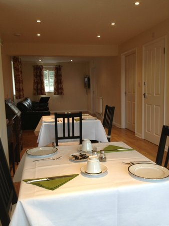 Oakside Lodge: Dining/sitting area