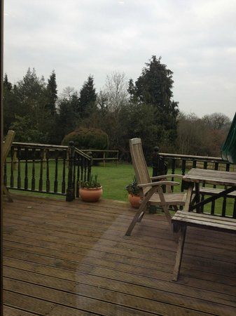 Oakside Lodge: View from dining area