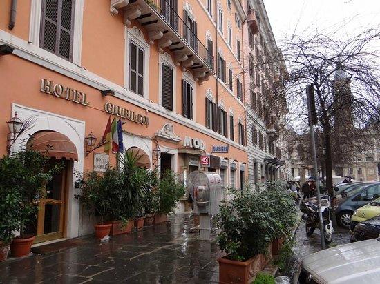 Hotel Giubileo: situation