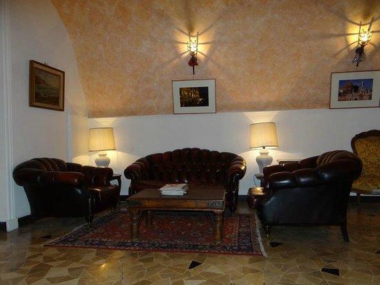 Hotel Giubileo: petit salon à l'entrée