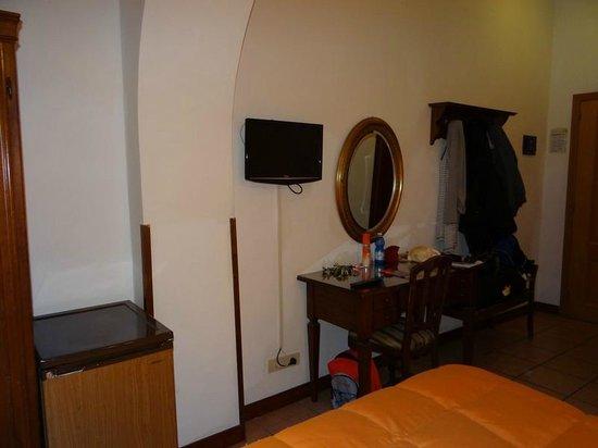Hotel Giubileo: chambre et TV