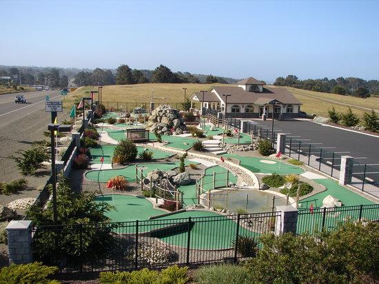 Emerald Dolphin Inn: Emerald Dolphin Mini Golf & Family Fun Center