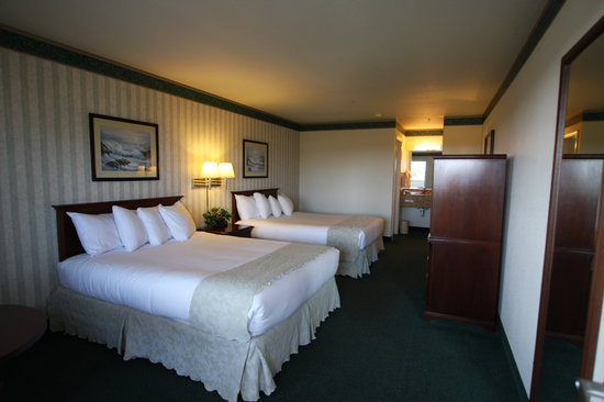 Emerald Dolphin Inn: Family Friendly with all the comforts of home