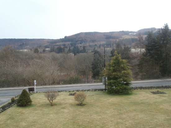 The Claymore Guest House: Veiw from the room.