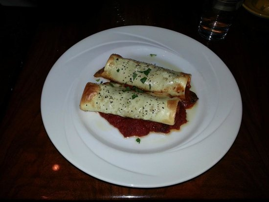 Bertoldi's: Over-baked cannelloni - stuffed with home-made sausage.