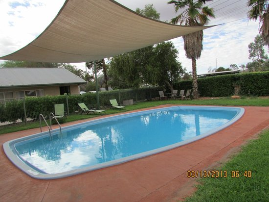 Alice Motor Inn : Pool area