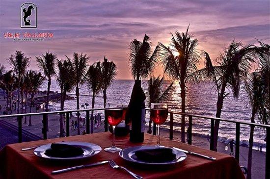 Viejo Vallarta: ocean front dinning