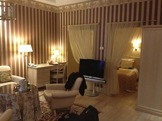 Ramada Hotel and Suites Vilnius: room 209