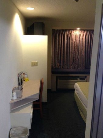 Microtel Inn & Suites by Wyndham Richmond Airport: Room 224