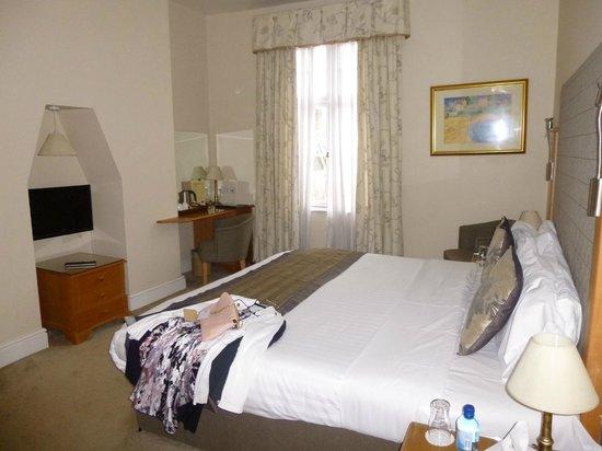 Queens Court: Bedroom