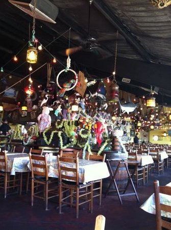 Sandy Hook Fish and Rib House: eclectic decorating!
