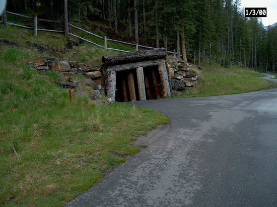 Stewart Creek Golf & Country Club: Old mine entrance on the back 9