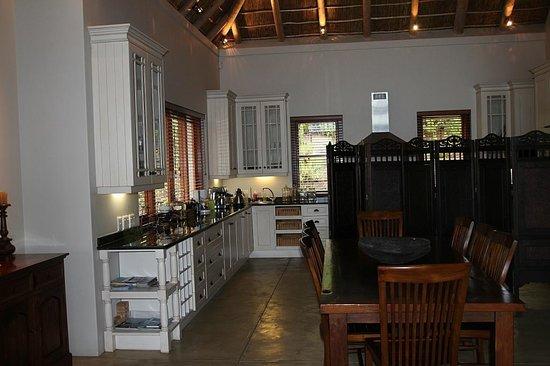 Tamodi Lodge: Geschmackvoll angepasste Küche