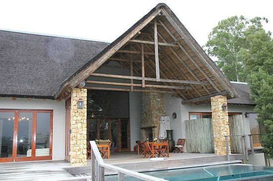 Tamodi Lodge: Frühstück am Pool