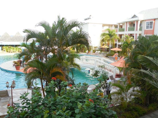 Pool View Picture Of Bay Gardens Beach Resort Gros