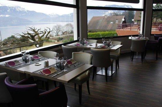 Notre salle de restaurant vue Lac - Picture of Restaurant La ...