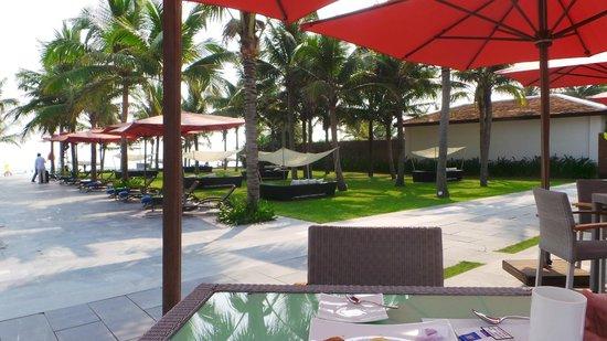 Fusion Maia Da Nang: pool area