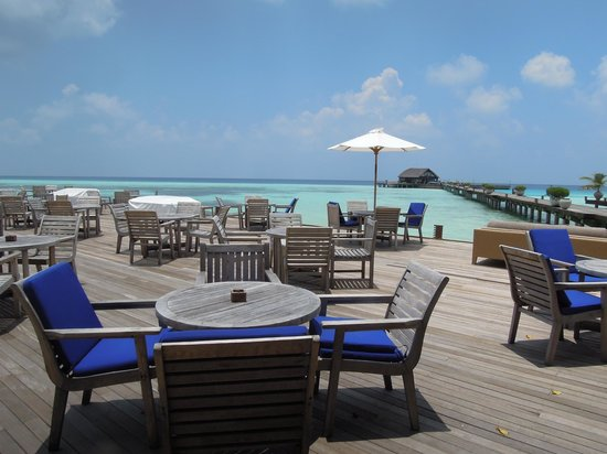 Olhuveli Beach & Spa Maldives: bar