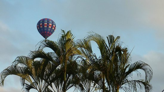 Tilajari Hotel Resort: Balloon over recpetion