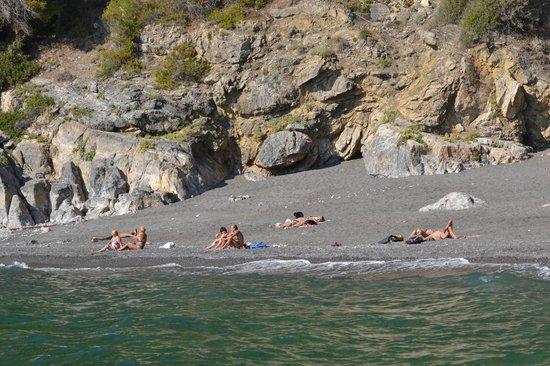 Ameglia, Italia: Spiaggia di Punta Corvo dal mare