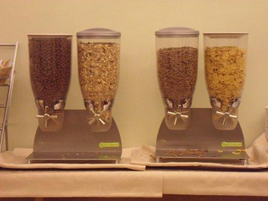 Collina Suites: Cereales para elegir